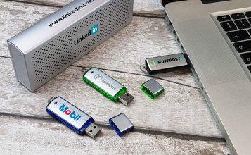 https://static.custom-flash-drives.co.za/images/products/Classic/Classic2.jpg